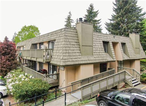 Photo of 1420 153rd Avenue NE #4004, Bellevue, WA 98007 (MLS # 1769834)