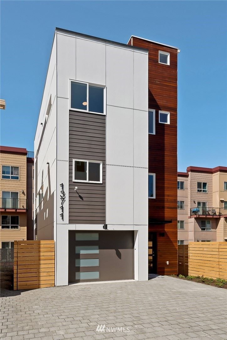 Photo of 13711 35th Avenue NE, Seattle, WA 98125 (MLS # 1761836)