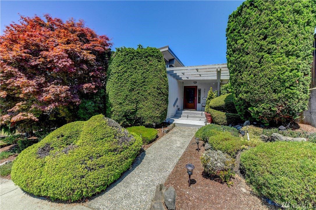 Photo of 3814 SW Myrtle Street, Seattle, WA 98126 (MLS # 1640837)