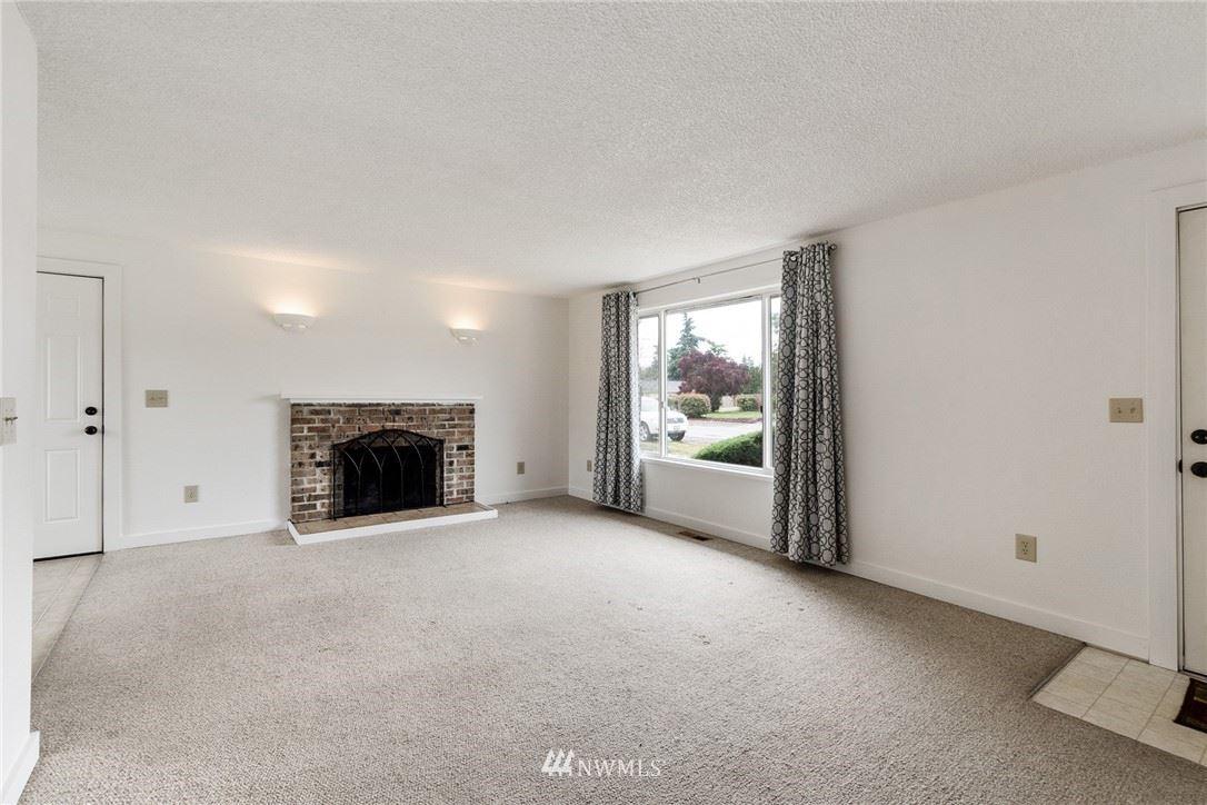 Photo of 24242 14th Avenue S, Des Moines, WA 98198 (MLS # 1776838)