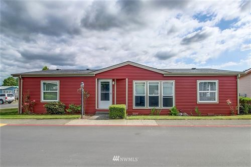Photo of 27405 149th Place SE, Kent, WA 98042 (MLS # 1626841)