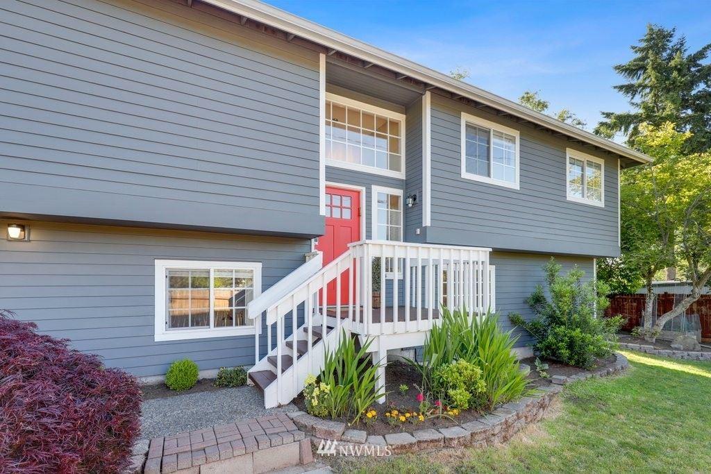 Photo of 11318 Meridian Avenue N, Seattle, WA 98133 (MLS # 1776841)