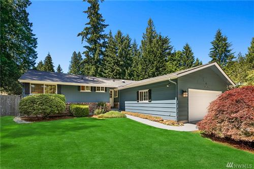 Photo of 595 Mountainside Dr SW, Issaquah, WA 98027 (MLS # 1619843)