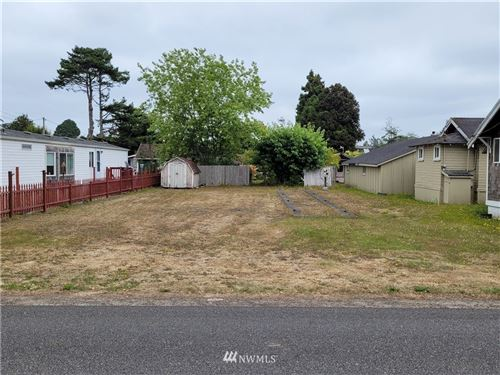 Photo of 44 Park Ave, Ocean Park, WA 98640 (MLS # 1825843)