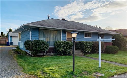 Photo of 1128 7th Ave NW, Puyallup, WA 98371 (MLS # 1570844)