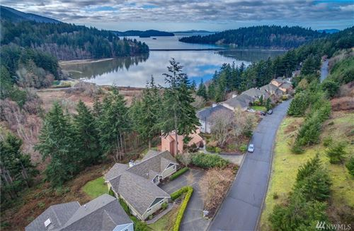 Photo of 208 Sea Pines Rd, Bellingham, WA 98229 (MLS # 1547845)
