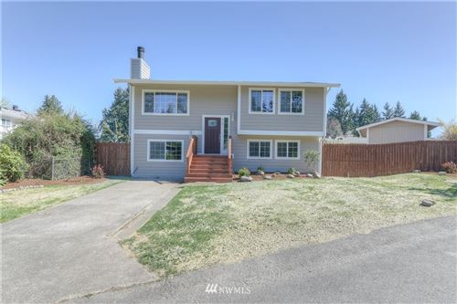 Photo of 818 Shangrila Place NE, Olympia, WA 98516 (MLS # 1757845)