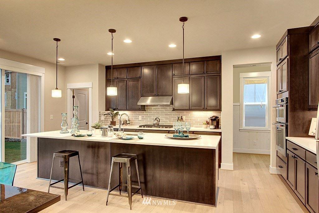 Photo of 7425 NE 197th Place, Kenmore, WA 98028 (MLS # 1787850)