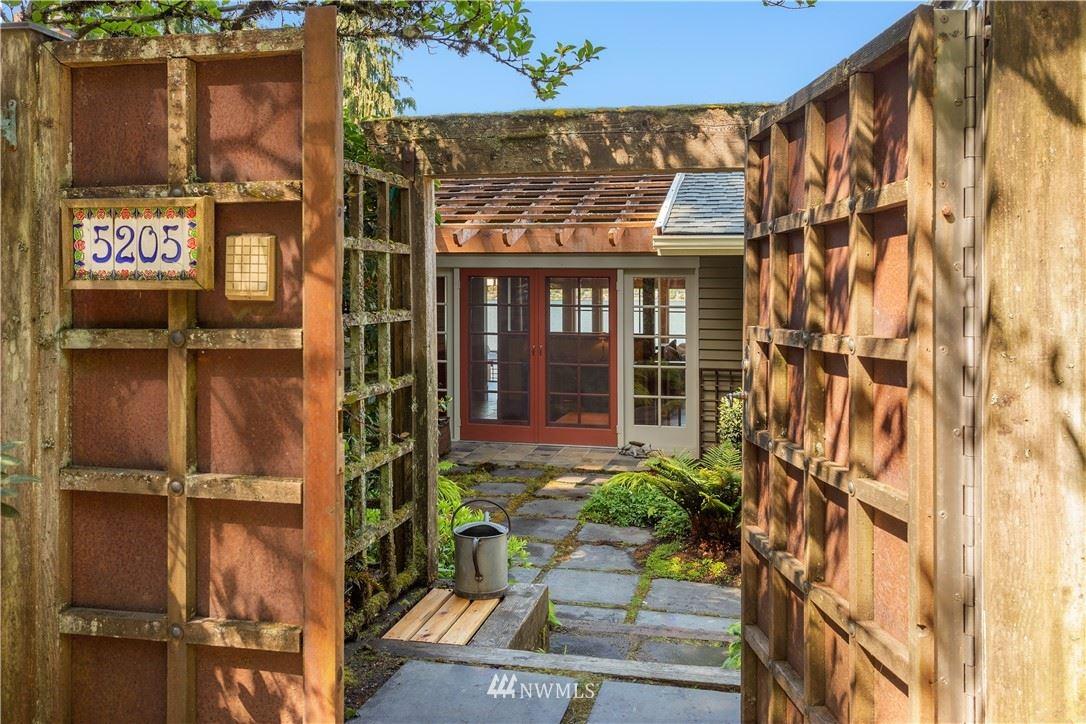 Photo of 5205 Lakehurst Lane, Bellevue, WA 98006 (MLS # 1777853)