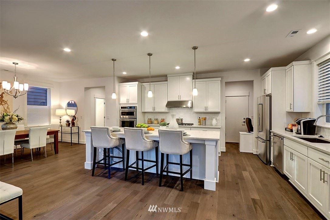 Photo of 7434 NE 197th Place, Kenmore, WA 98028 (MLS # 1787853)
