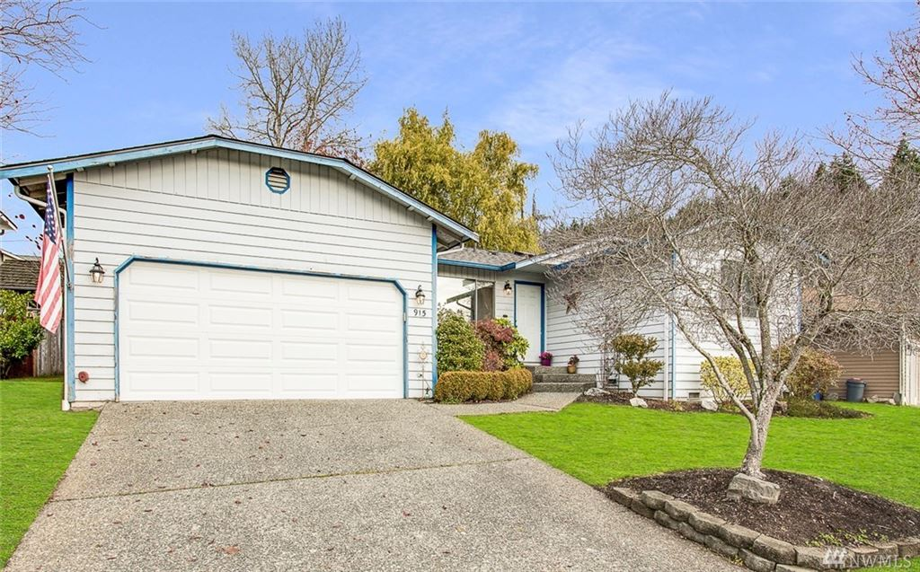 Photo of 915 235th St SW, Bothell, WA 98021 (MLS # 1540854)