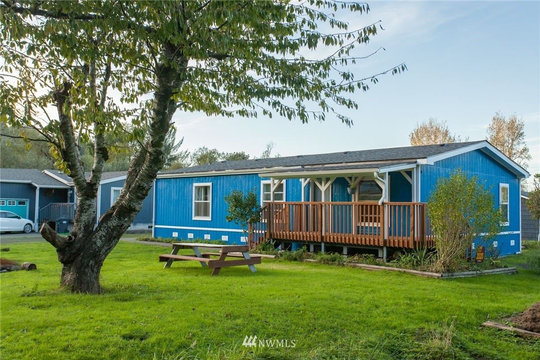 Photo of 129 3rd Street E, South Bend, WA 98586 (MLS # 1649854)