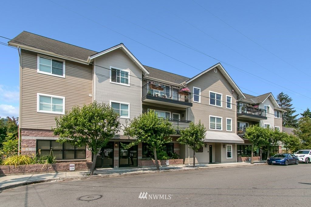 Photo of 175 1st Place NW #113, Issaquah, WA 98027 (MLS # 1817854)