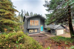Photo of 935 Hillandale Dr E, Port Orchard, WA 98366 (MLS # 1538855)