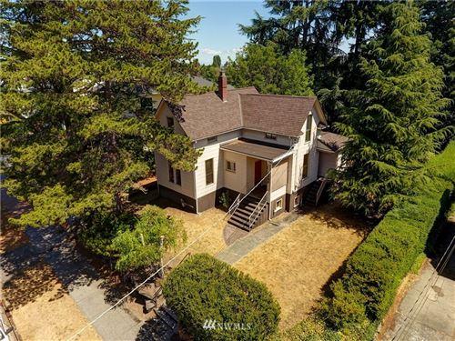 Photo of 4222 Burke Avenue N, Seattle, WA 98103 (MLS # 1815857)