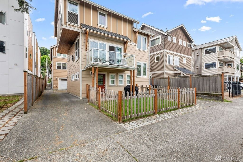 2431 55th Ave SW, Seattle, WA 98116 - MLS#: 1602859