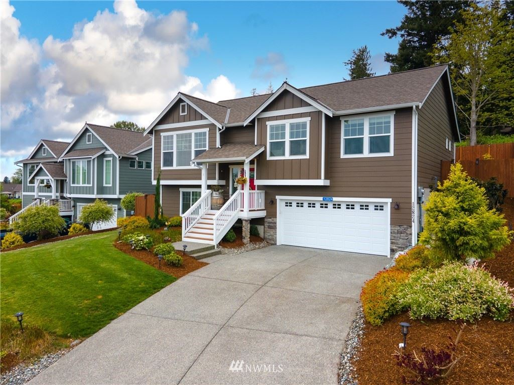 Photo of 12824 Frazier Heights Loop, Burlington, WA 98233 (MLS # 1769864)
