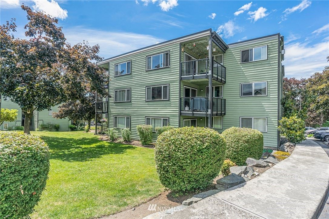 Photo of 13005 E Gibson Road #T335, Everett, WA 98204 (MLS # 1792866)