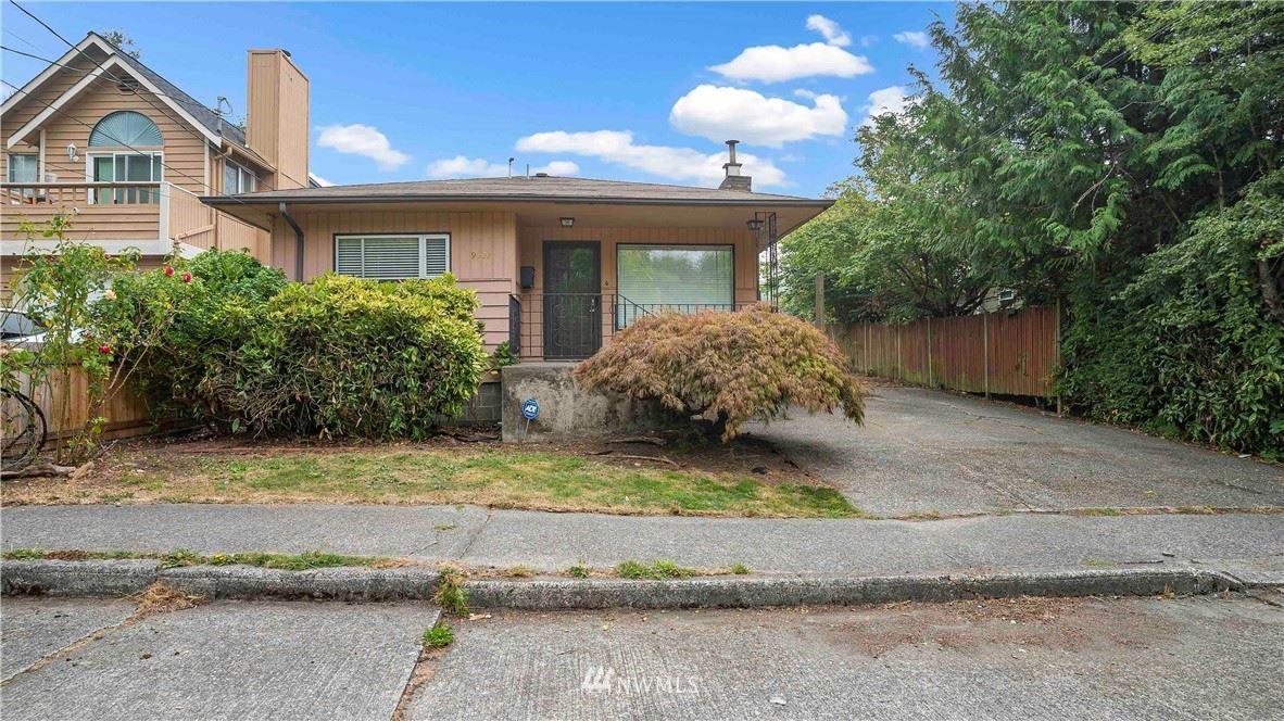 Photo of 9522 Densmore Avenue N, Seattle, WA 98103 (MLS # 1663871)