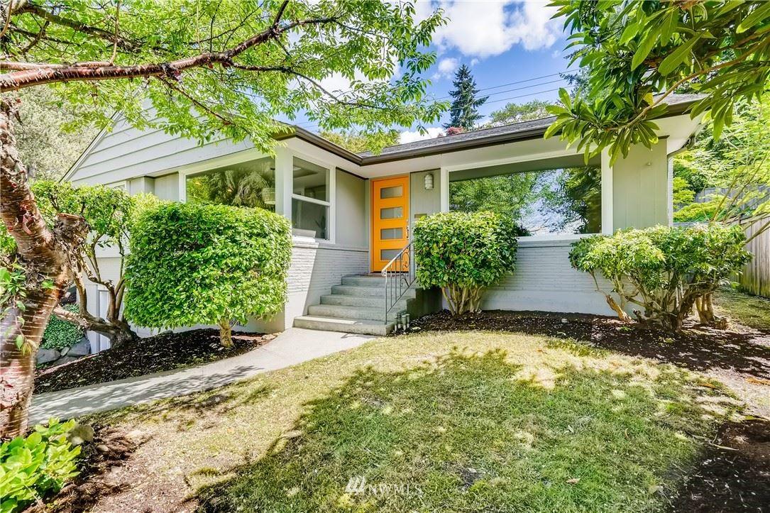 Photo of 7206 29th Avenue NE, Seattle, WA 98115 (MLS # 1768873)