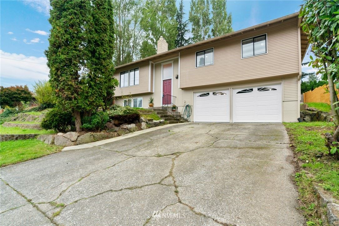 Photo of 25917 13th Place S, Des Moines, WA 98198 (MLS # 1674878)