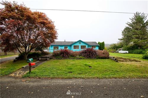 Photo of 208 Oyehut Road, Hoquiam, WA 98550 (MLS # 1665880)