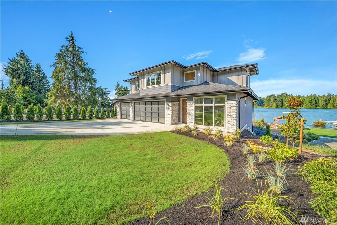 Photo of 4724 North Island Dr E, Lake Tapps, WA 98391 (MLS # 1639883)