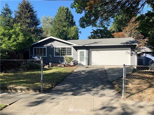 Photo of 1224 SW 116th Street, Seattle, WA 98146 (MLS # 1676884)