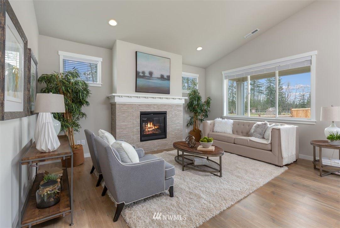 Photo of 978 Rainier Lp, Mount Vernon, WA 98274 (MLS # 1630889)