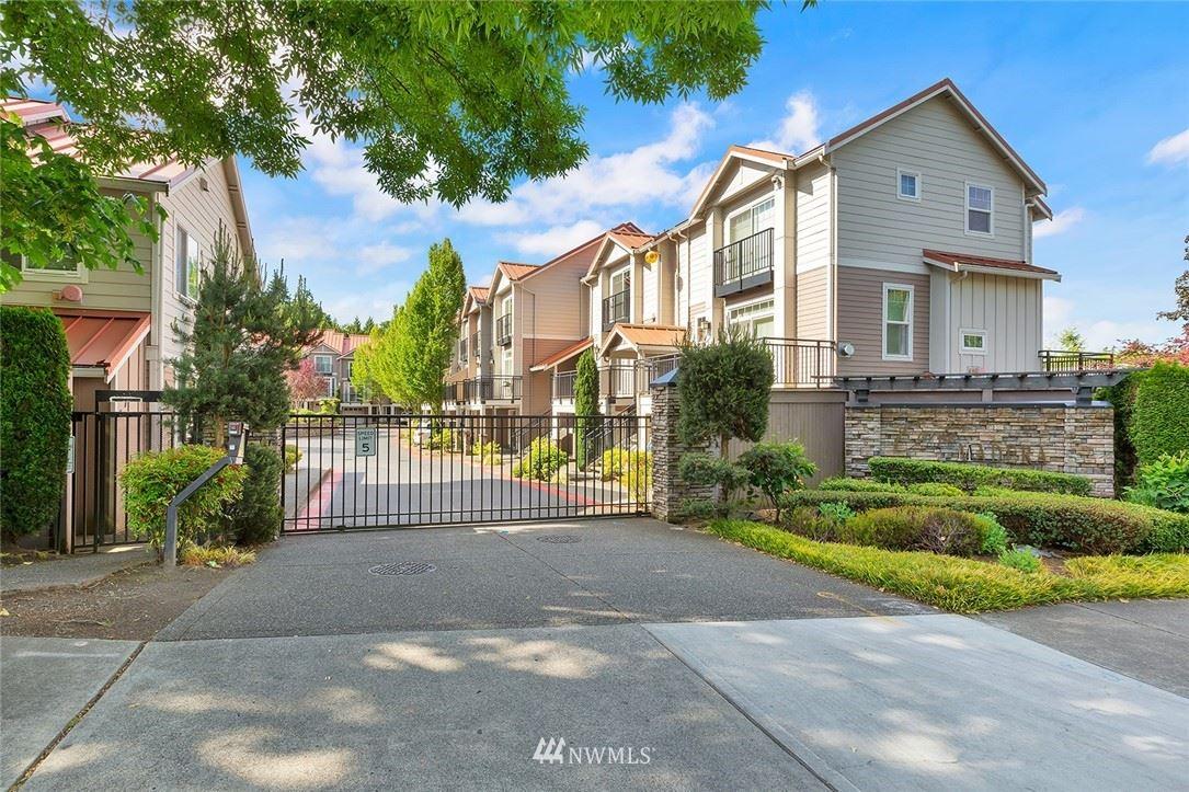 Photo of 12701 SE 41st Place #322, Bellevue, WA 98006 (MLS # 1789891)