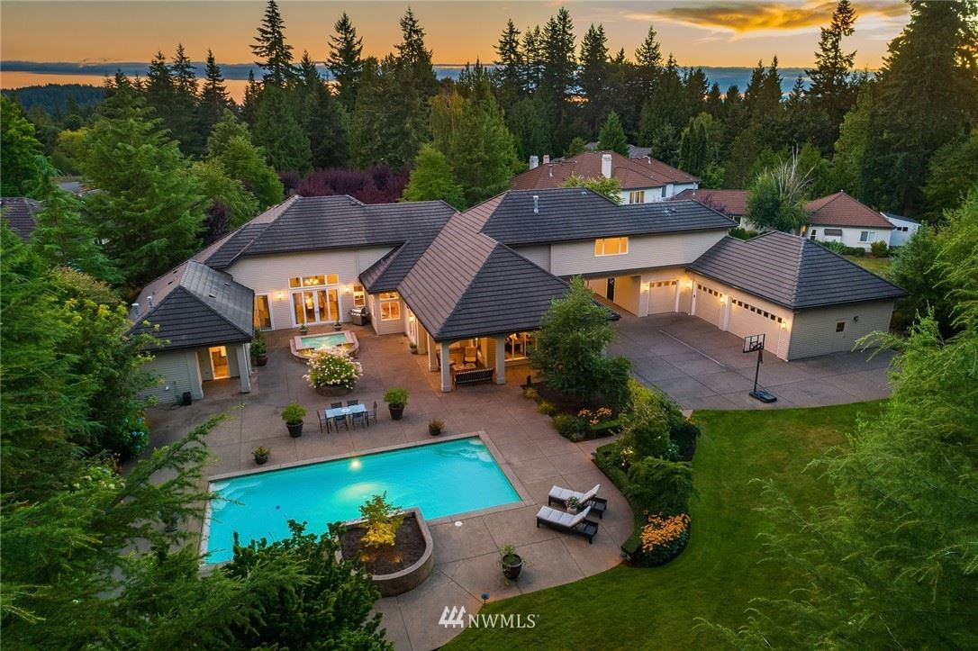 Photo of 6448 163rd Pl SE, Bellevue, WA 98006 (MLS # 1651892)