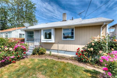 Photo of 4214 S Kenyon St, Seattle, WA 98118 (MLS # 1608894)