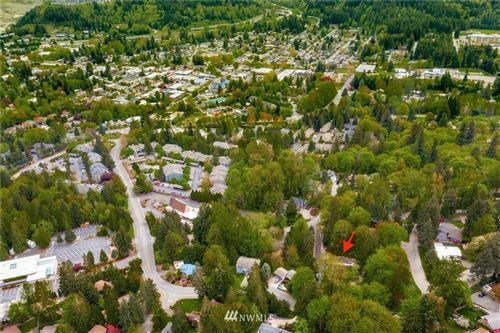 Photo of 435 SW Mount Baker Drive, Issaquah, WA 98027 (MLS # 1696894)