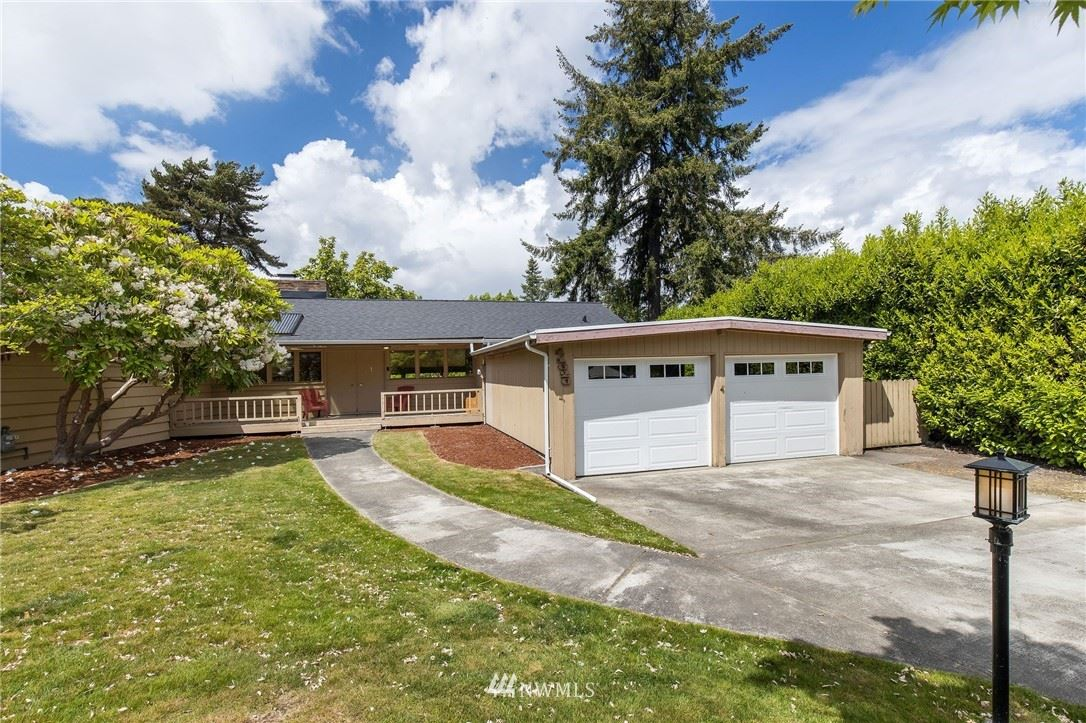 Photo of 11620 SE 47th Place, Bellevue, WA 98006 (MLS # 1776894)