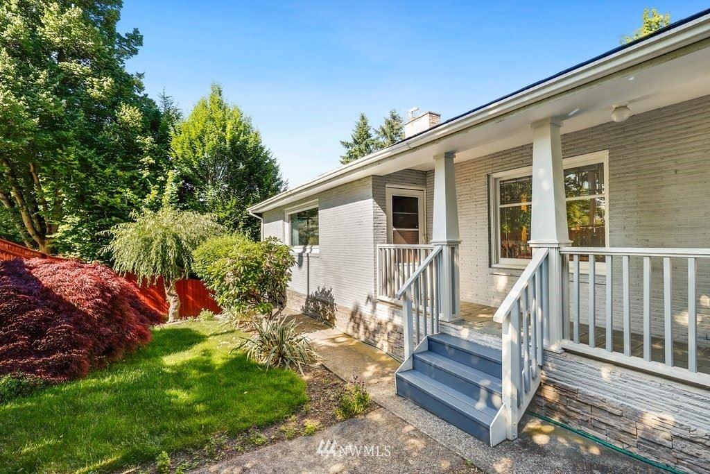 Photo of 10512 Roosevelt Way NE, Seattle, WA 98125 (MLS # 1784894)
