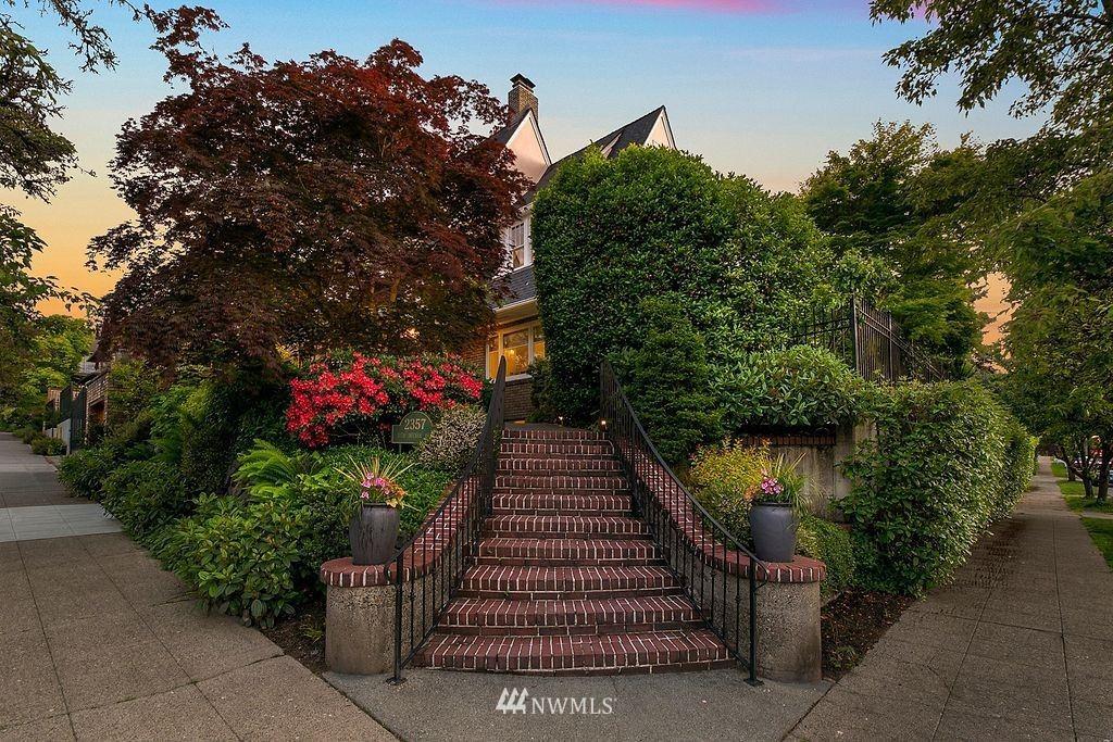 Photo of 2357 11th Avenue E, Seattle, WA 98102 (MLS # 1788895)