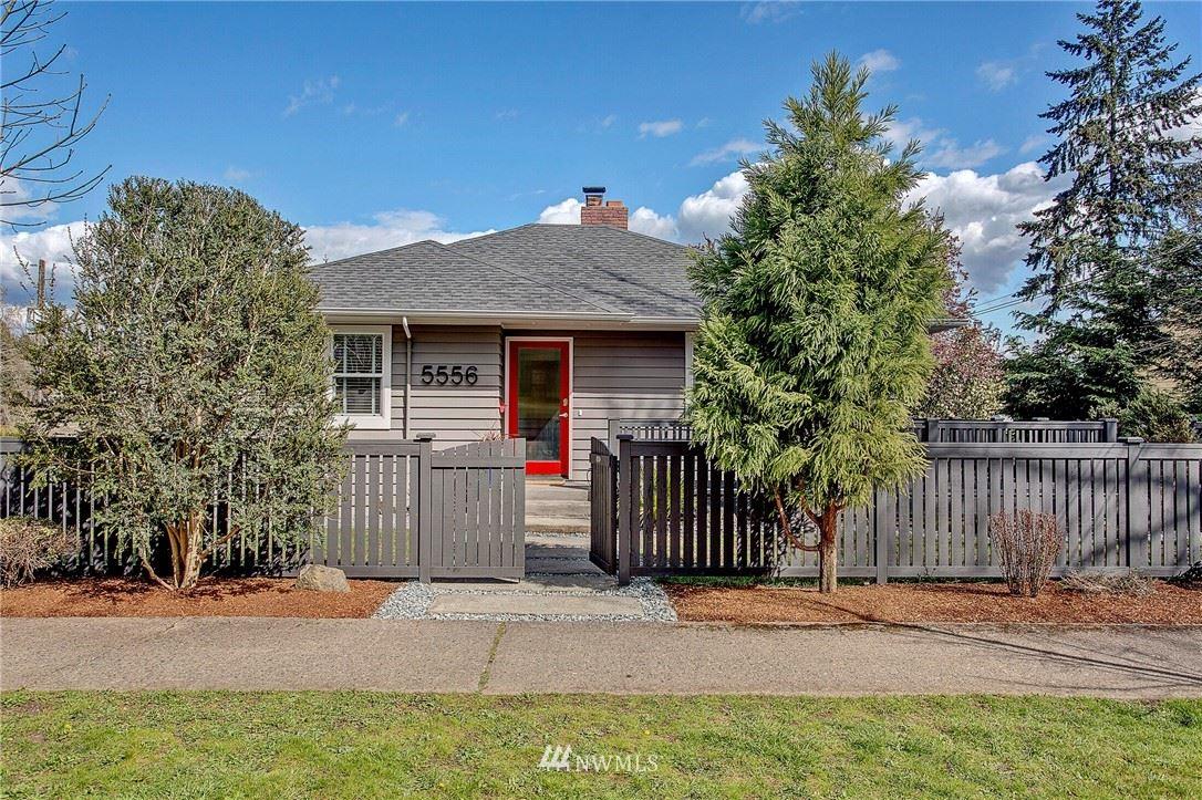 Photo of 5556 38th Avenue NE, Seattle, WA 98105 (MLS # 1753900)