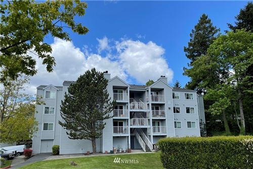 Photo of 975 Aberdeen Avenue NE #B302, Renton, WA 98056 (MLS # 1770901)