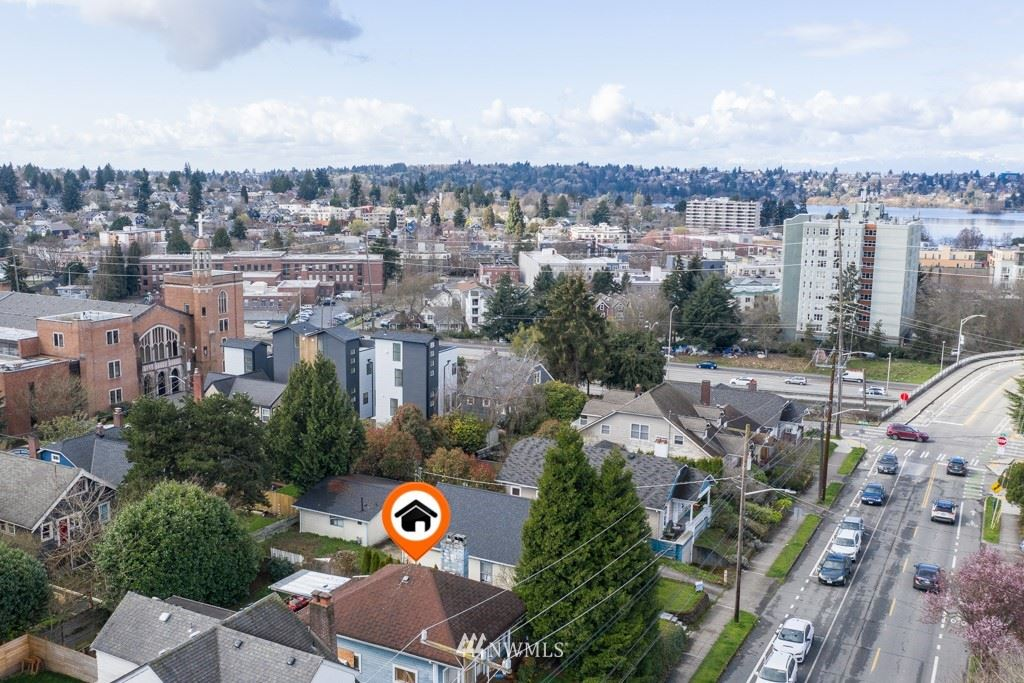 Photo of 825 NE 70th Street, Seattle, WA 98115 (MLS # 1743901)