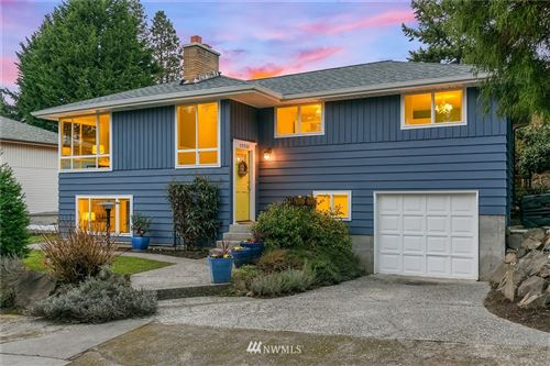 Photo of 12551 39th Avenue NE, Seattle, WA 98125 (MLS # 1734903)