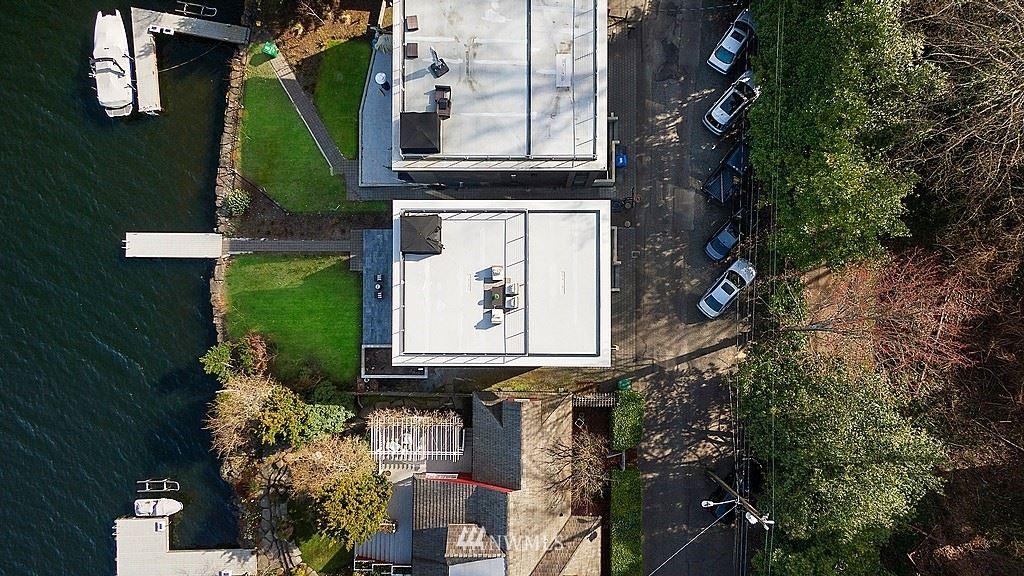 Photo of 13510 Riviera Place NE, Seattle, WA 98125 (MLS # 1776903)