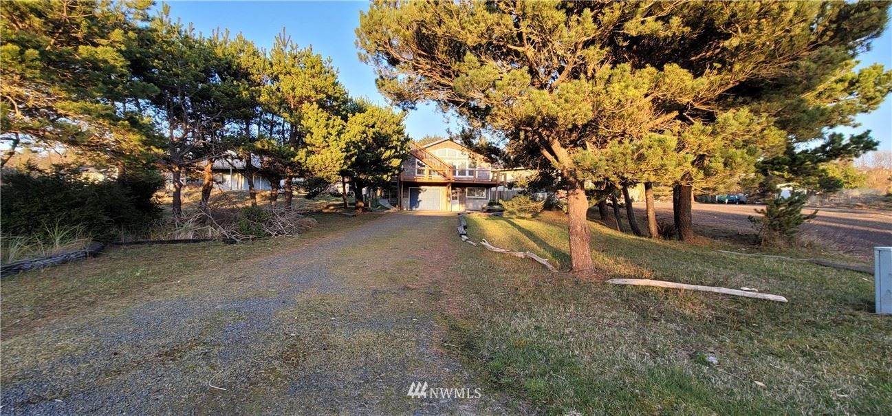 Photo of 809 352nd Place, Ocean Park, WA 98640 (MLS # 1840903)