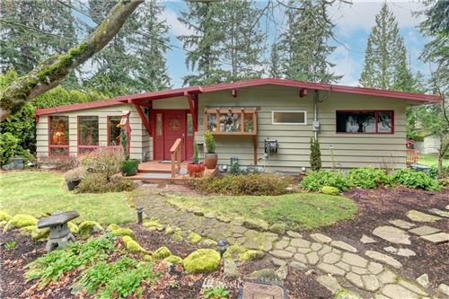 Photo of 15024 SE 43rd Place, Bellevue, WA 98006 (MLS # 1732904)