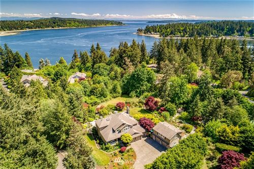 Photo of 3942 El Cimo Lane NE, Bainbridge Island, WA 98110 (MLS # 1770906)