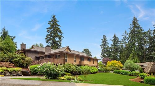 Photo of 17120 NE 2nd Place, Bellevue, WA 98008 (MLS # 1644910)