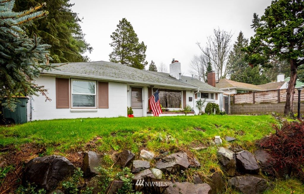 Photo of 9202 23rd Avenue SW, Seattle, WA 98106 (MLS # 1772910)