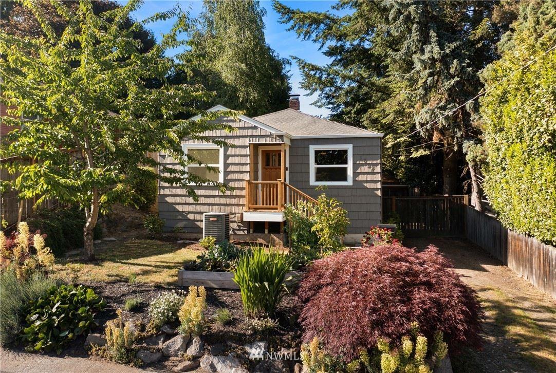 Photo of 1654 NE 86th Street, Seattle, WA 98115 (MLS # 1782911)