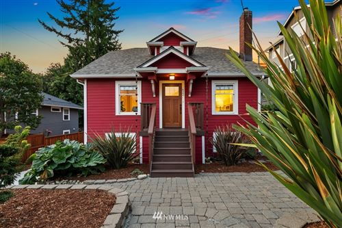 Photo of 622 NE 76th Street, Seattle, WA 98115 (MLS # 1843913)