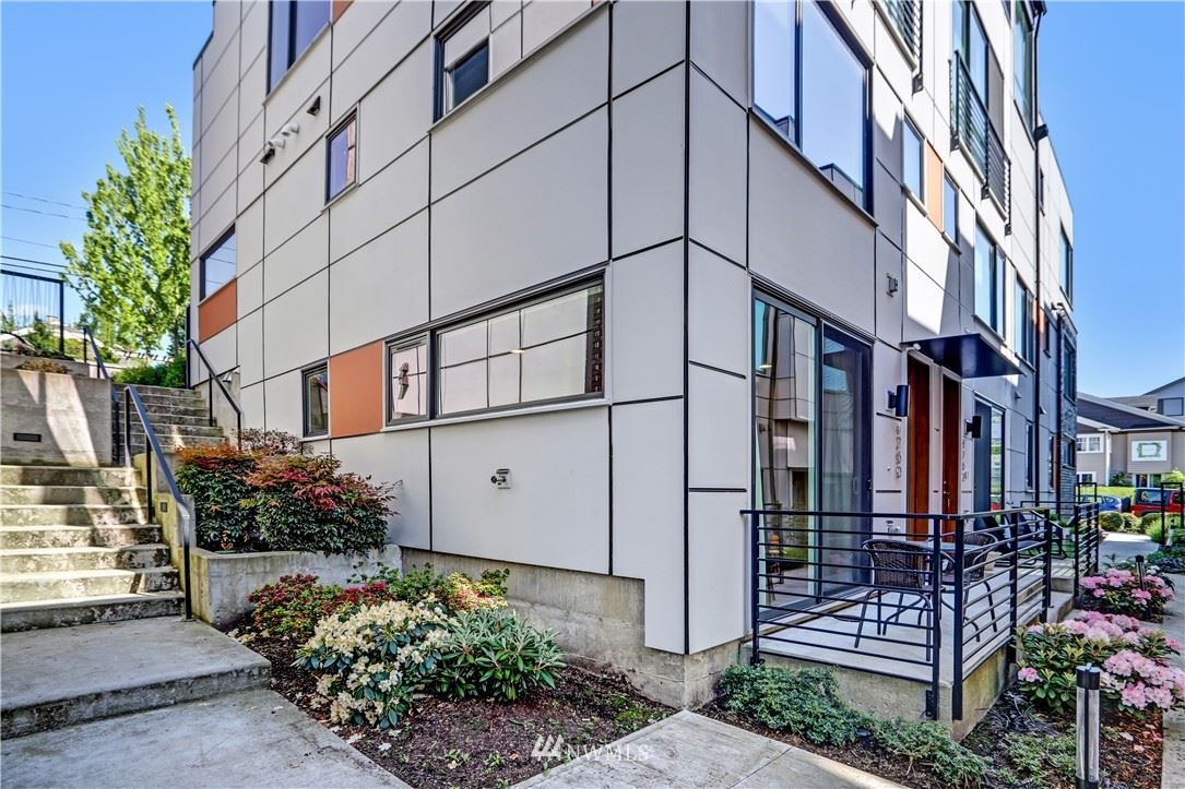 Photo of 4260 SW Bradford Street, Seattle, WA 98116 (MLS # 1783918)