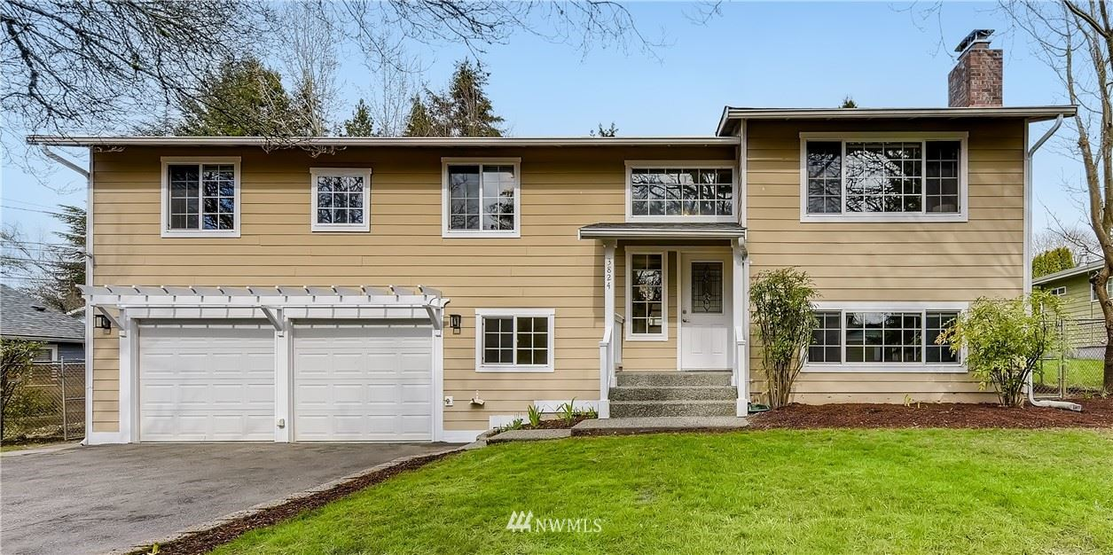 Photo of 3824 NE 120th Street, Seattle, WA 98125 (MLS # 1740920)